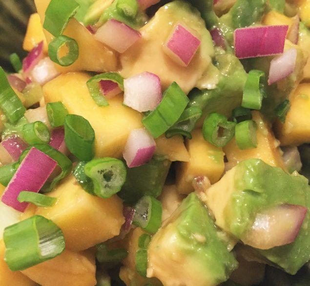 Salsa asiatica de aguacate y mango