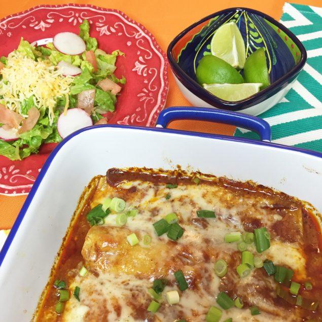 Receta fácil de enchiladas de pollo y salsa de enchiladas. www.ensalpicadas.com