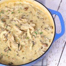 Deliciosa receta de Pollo cocinado al estilo del fricasé francés.