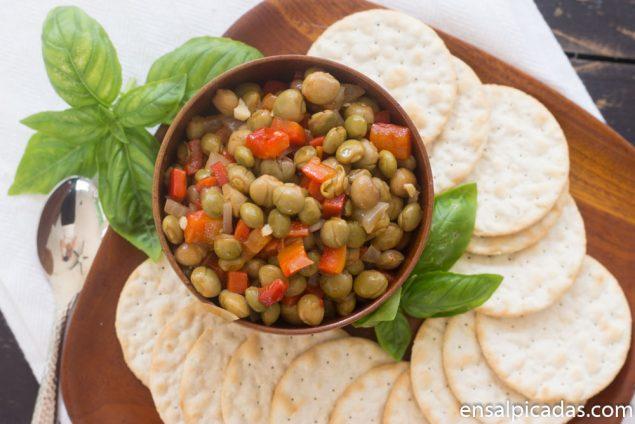 Receta de Dip o Ensalada de Gandules con Pimientos morrones en salsa peperonata.