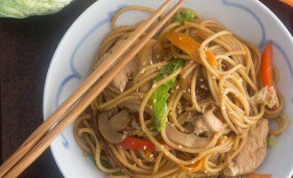 Receta de Lo Mein de Vegetales, carne o pollo