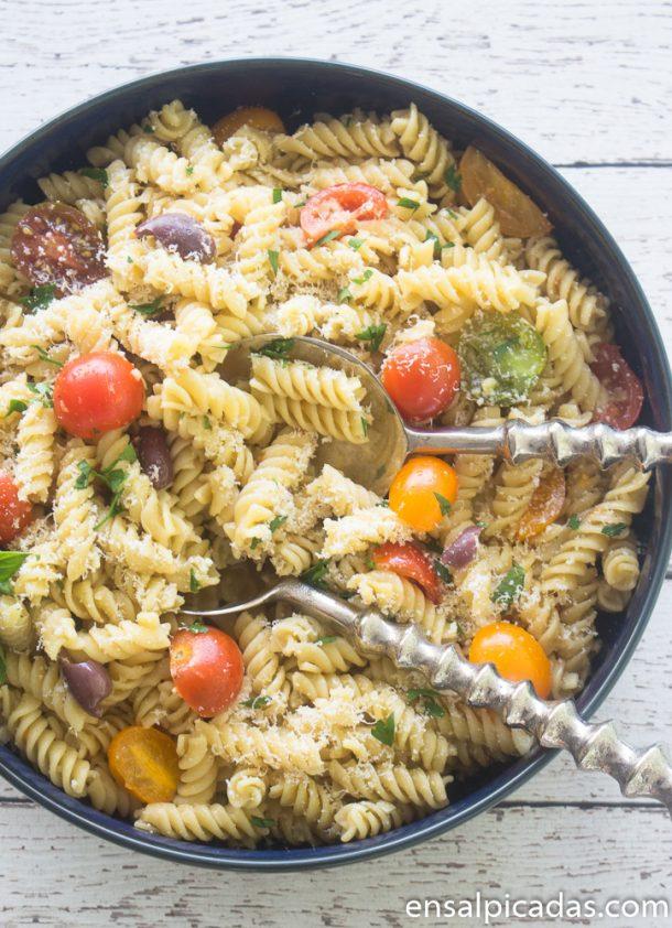 Receta de Pasta Fría con salsa de ajo