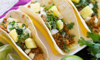 Receta Sencilla de Tacos al Pastor con Carne molida de cerdo salteada.