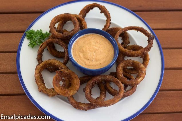 Receta de Onion Rings con Salsa Chili Mayo